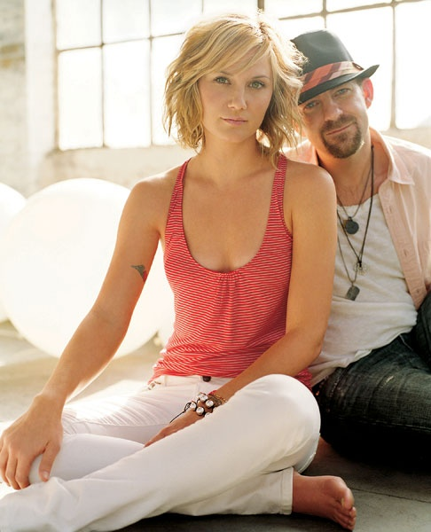 Jennifer Nettles and Kristian Bush... I want her hair!!!