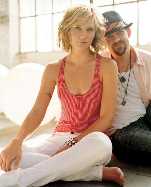 Jennifer Nettles and Kristian Bush... I want her hair!!!
