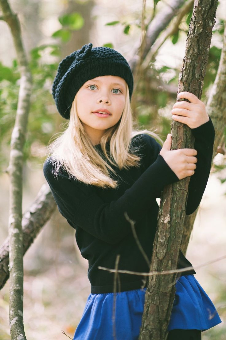 Tween Girl Fashion Black And Cobalt Blue.