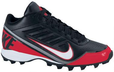 The Nike Land Shark Three-Quarter BG: Support and superb traction  Featuring multiple cleats and a breathable upper that extends up to the ankle, the Nike Land Shark Three-Quarter BG (10c-6y) Pre-School Boys'/Boys' Football Cleat is designed for an ideal balance of stability, traction and comfort.  Benefits    Synthetic leather upper with strategically placed overlays for comfort and support    Side mesh panels and perforations in the toe for enhanced breathability    3/4 Phylon wedge for…