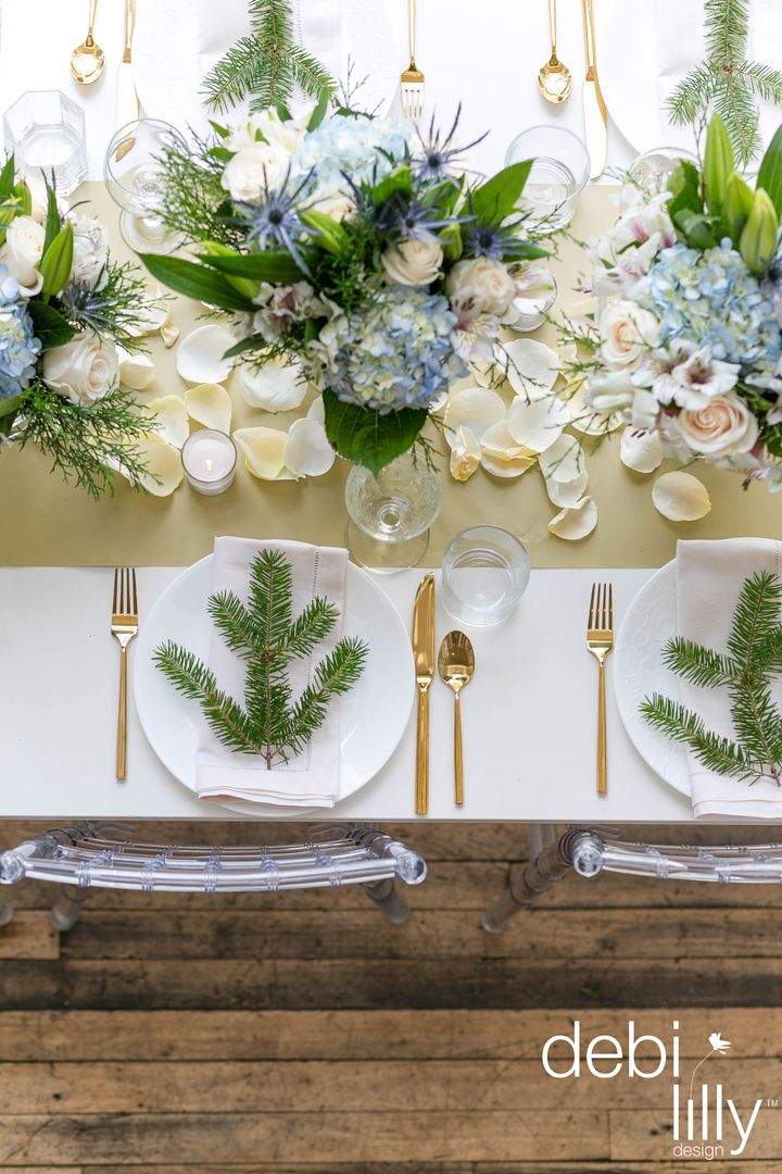 Setting the winter table is easier than ever with inspiration from debi lilly design™! Your family and friends will be amazed by your holiday set-up!