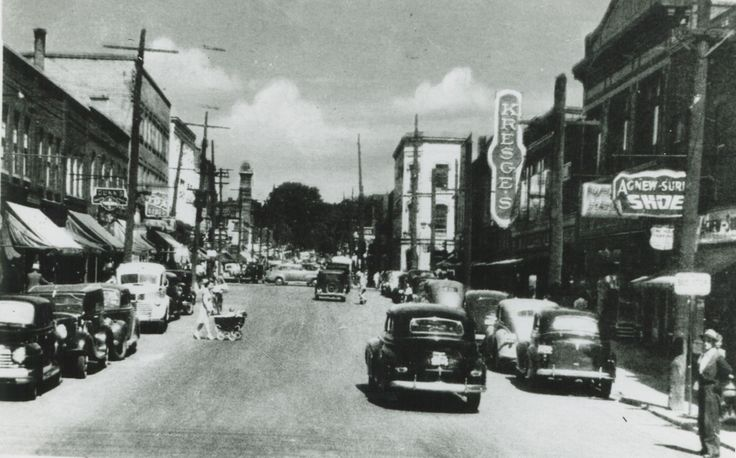 Simcoe Street Looking North, Simcoe and Athol, 1944