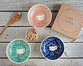 Artículos similares a CONJUNTO de cuencos de cerámica hecha a mano 3 - - tazón de desayuno - servicio regalo bol - helado bowl - regalo boda - decoración de la cocina- en Etsy