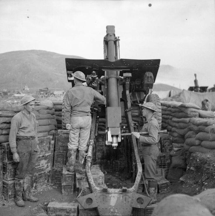 Italy - Gothic Line - S.Clemente,2 december 1944-25 pdr gun