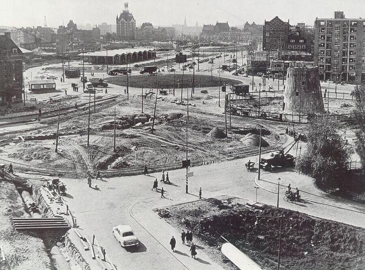 Rotterdam Oostplein 1954 met afgebrande molen.