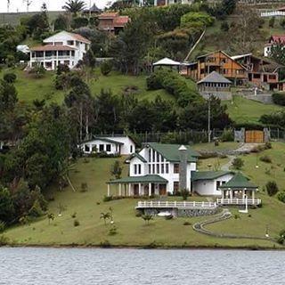 Lago Calima -Valle del Cauca, Colombia