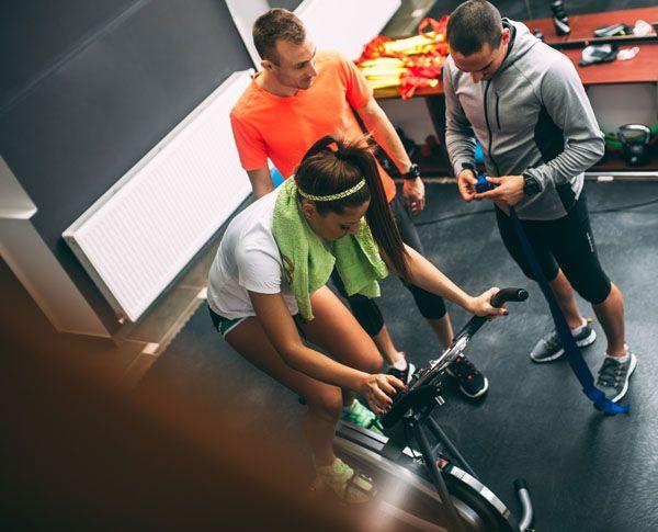 Uma pergunta muito comum e que muitas vezes é complexa de ser respondida. Veja neste artigo se para emagrecer basta fazer HIIT em seu treino! Houve um tempo em que as respostas sobre quais os melhores treinos para o emagrecimento eram relativamente simples, pois o exercício aeróbico de baixa intensidade e longa duração era aposta …