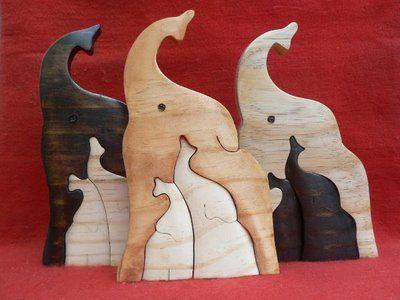 Artesanato Paraty - Artesanato em madeira: Elefantes 002 P 11x7 cm 14,00 R$ e G 17x11cm R$ 26,00                                                                                                                                                      Mais