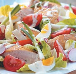 Jarní salát s kuřecím masem (www.albert.cz/recepty)