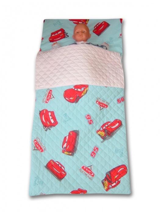 Sacco a Pelo Asilo Cars, Azzurro (140x63cm), con tasca per cuscino, lo trovi qui: http://www.coccobaby.com/prodotto/set-asilo-idee-regalo/sacchi-a-pelo/903/sacco-a-pelo-asilo-cars,-azzurro