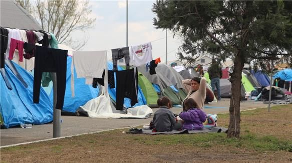 greek solidarity movement embraces refugees
