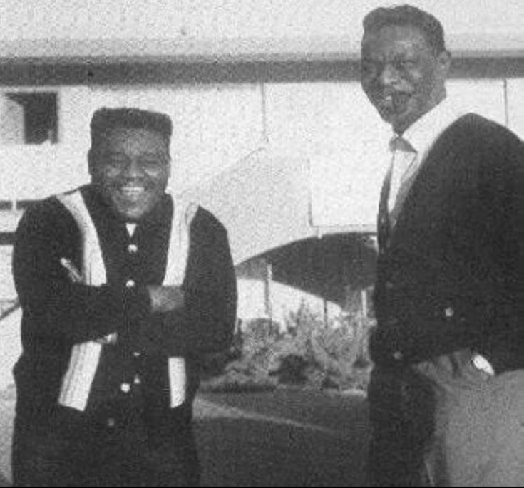 A rare picture of two giants in the music business. Fats Domino and the incomparable Nat king Cole. RIP