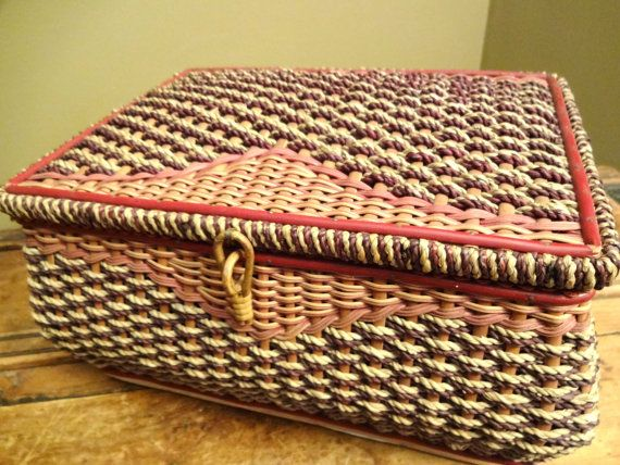 Large Vintage Sewing Basket Woven Wicker от RowlandParkVintage