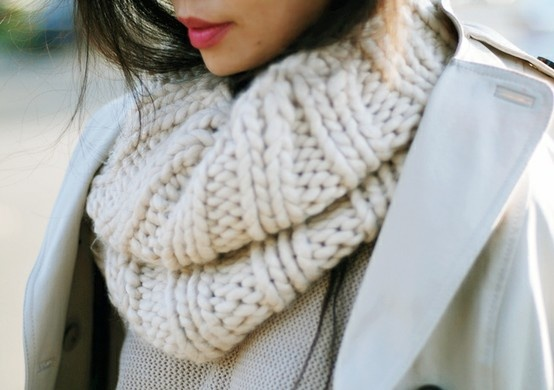 winter beachwear <3Cozy Winter, Knits Scarves, Big Scarves, Infinity Scarf, Chunky Scarves, Wool, Lips Colors, Cowls, Chunky Knits