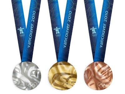 Las proximas olimpiadas de invierno en Vancouver 2010 tendrán por primera vez en la historia medallas con metales reciclados de partes electronicas. Me parecio impresionante que rescataran oro, plata y bronce de aparatos electronicos tirados a la basura, creo que de ahora en adelante me voy a fijar mejor en lo que tiro.