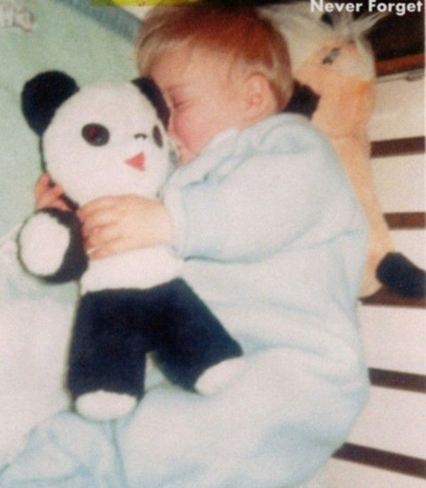 #KurtCobain as a baby. So cute and So sweet yet it makes me so sad. :'(