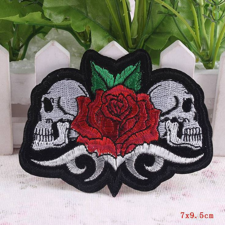 DIY 1Pcs Mixture Motorcycle Biker Patches For Clothes Stickers Sell Iron On Punk Rock Embroidery Cool Patch Skull And Rose