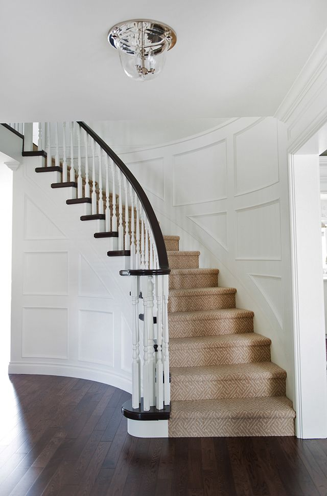 How to update a 1980's curved staircase (photography by @tracey