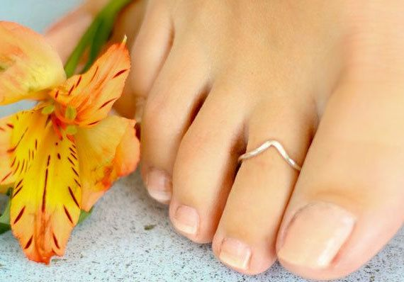 Sterling Silver Chevron Toe Ring. $14.00, via Etsy.