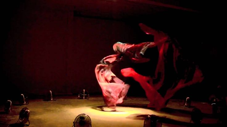 Pas de Deux, Daniel Wurtzel. Two sheets of fabric continuously fly in and out of a vortex of air.