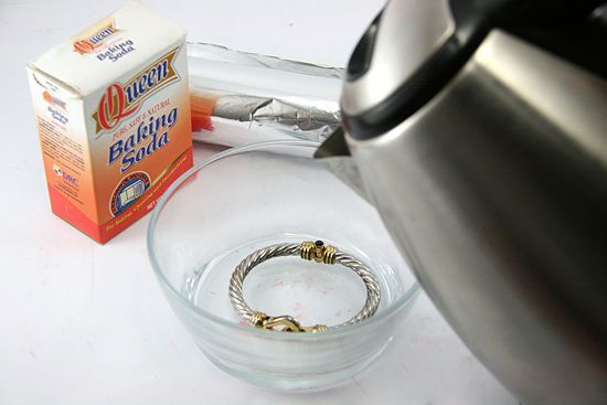 How to Clean Sterling Silver with Baking Soda and Aluminum