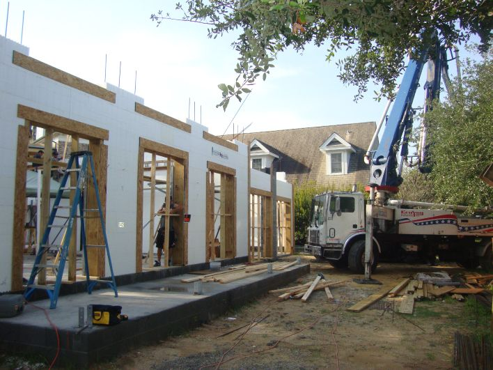 Icf insulated concrete form home builder mccory for Concrete form homes