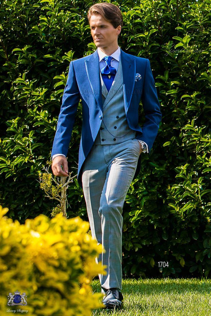 """Costume lévite bleu royal avec revers de pointe, satin contrasté et 1 bouton en tissu de laine mélangé avec pantalons """"prince of wales"""". Costume de mariage 1704 Collection Gentleman Ottavio Nuccio Gala."""