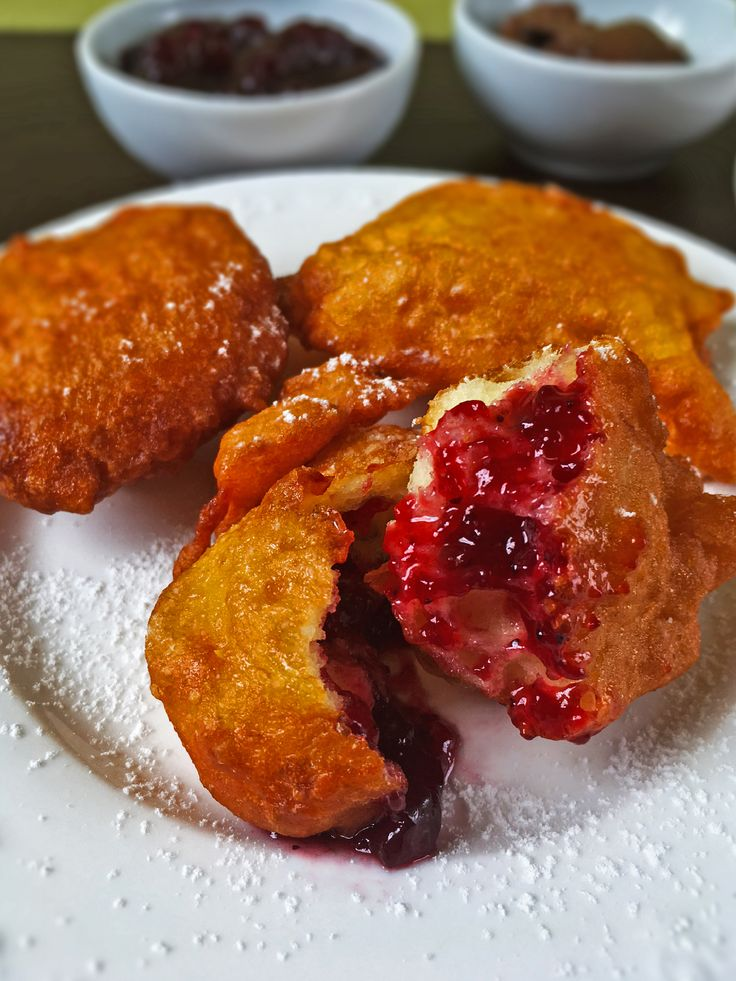 Quick donuts with jam or chocolate