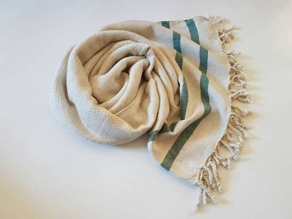 Puro lino & cotone asciugamano foglio - STRIPE  Quotidiano / SPA / hammam / Yoga / Beach / telo da bagno / sciarpa / coperta / Throw Tessuto prelavato.  Naturale & alta qualità   Dimensione: -39 x 67 pollici / 100 x 170 centimetri.  Materiale: -60% lino -40% cotone  Colore - lino naturale: -bande nere -strisce blu -strisce di verde -strisce rosse -marrone a righe    * Altamente absortant pure veloce asciugatura.  * Eco-Friendly.  * Naturale...