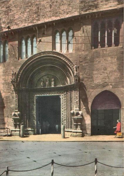 Perugia, Italy - 60s Postcard (Town-hall Portal)