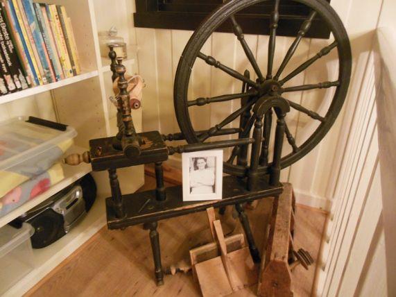 My grandmother spinning Wheel. Farmor Jonettes Rokk #genealogy #slekt