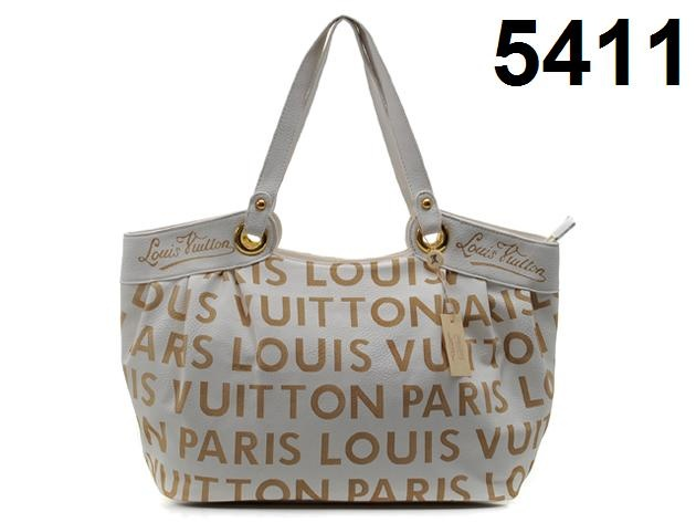 share a online store sell cheap designer handbags ,very nice....