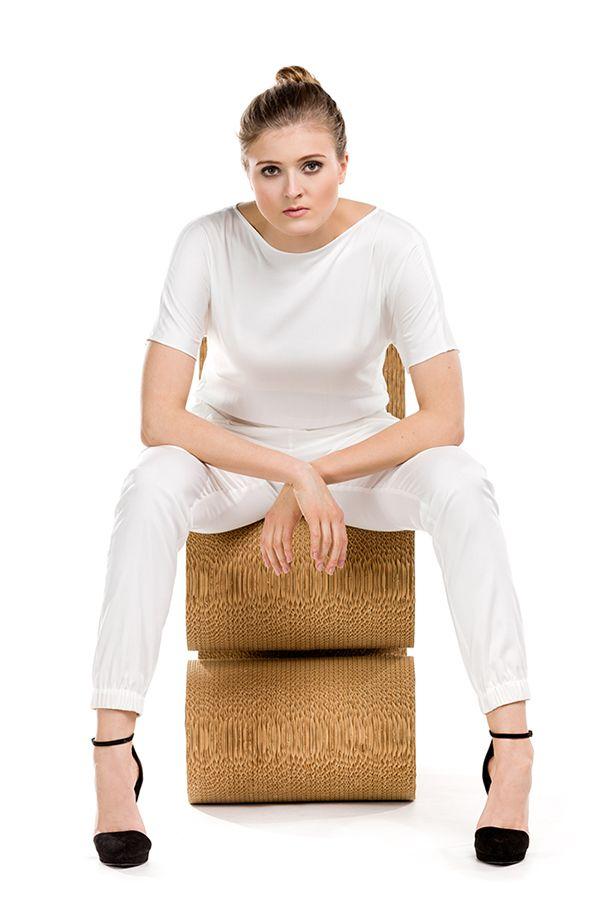 Biały kombinezon. White jumpsuit.