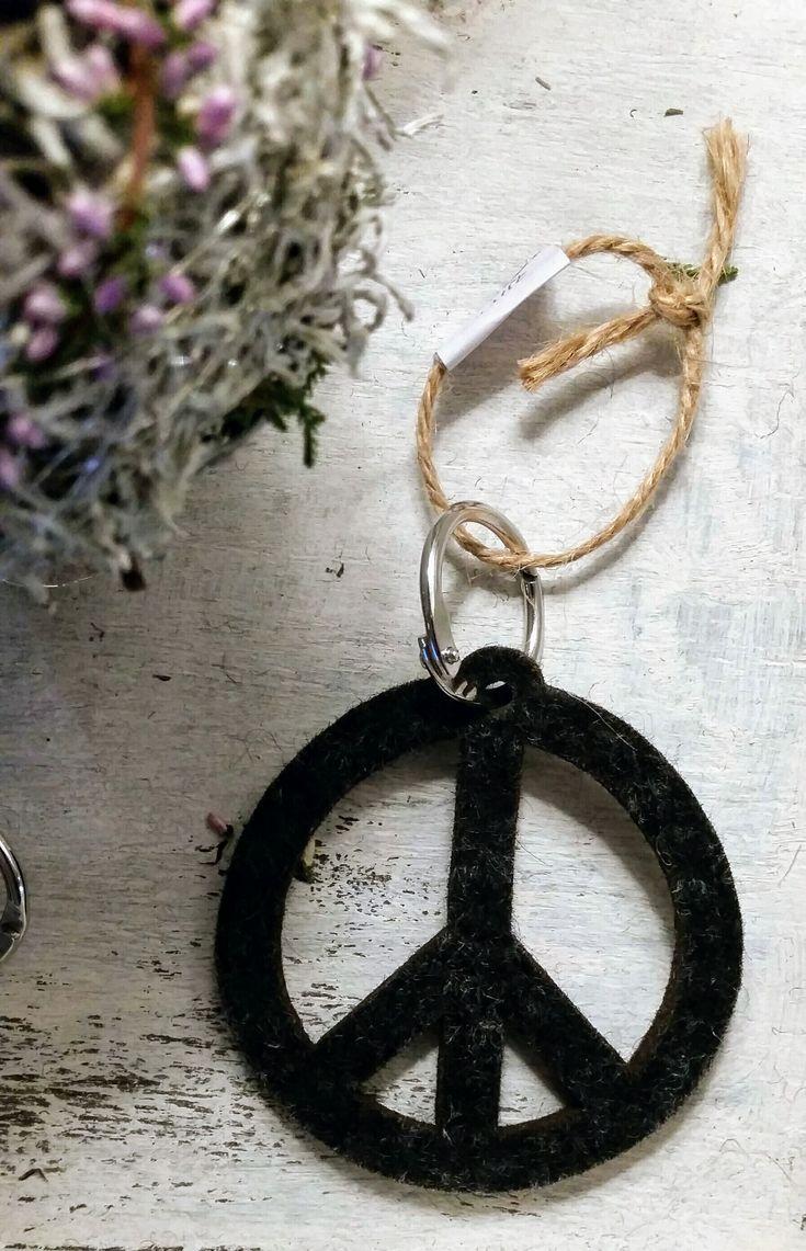 PEACE Schlüsselanhänger von Yvonne Tölle