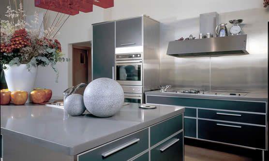 Möchten Sie eine elegante Küche, dann wählen Sie unsere Quarzstein Arbeitsplatte. Quarzstein Arbeitsplatten gehören immer mehr zur modernen Küche.