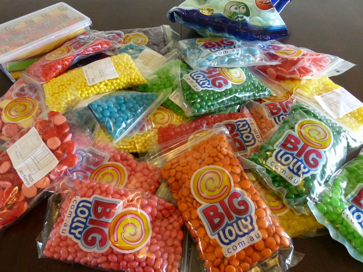 12.8kg of lollies for a rainbow lolly buffet | Cosmic Events