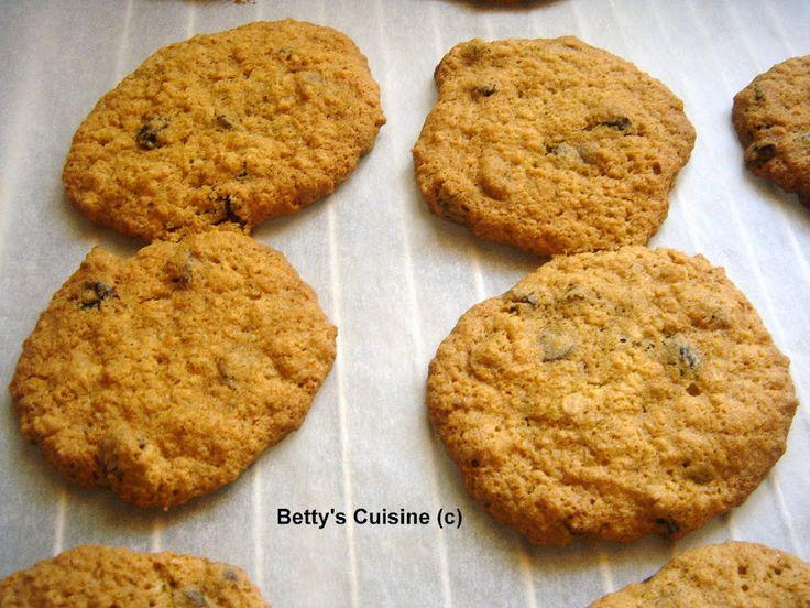 Betty's Cuisine: Μπισκότα με βρώμη και σταφίδες