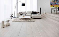 fotos de casas com piso laminado: laminado branco