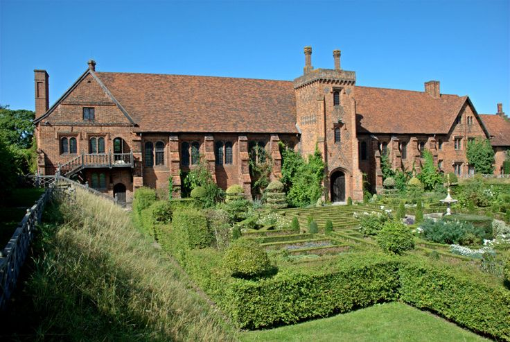 """The """"old"""" Hatfield House, in Hertfordshire. Lots of Tudor connections here: built during the reign of Henry VII by the Bishop of Ely; taken by Henry VIII when he forced the religious houses to close; childhood home of Edward VI and Elizabeth; site of Eliz's harassment by Thomas Seymour; where Elizabeth was told by messengers that she had become queen. After Elizabeth's death, the house went to Robert Cecil, son of Elizabeth's chief counsellor William."""