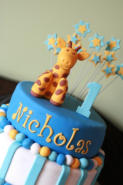 Giraffe 1st Birthday Cake by Vikki Kourbelis Photography, via Flickr