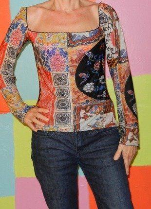 À vendre sur #vintedfrance ! http://www.vinted.fr/mode-femmes/hauts-and-t-shirts-t-shirts/32475065-t-shirt-manche-epaule-denude-motif-asiatique-t38-40-roberto-cavalli-printempsete-retrochiccasual