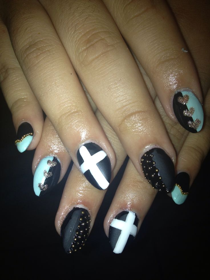 How to Create Chic Rocker Nails