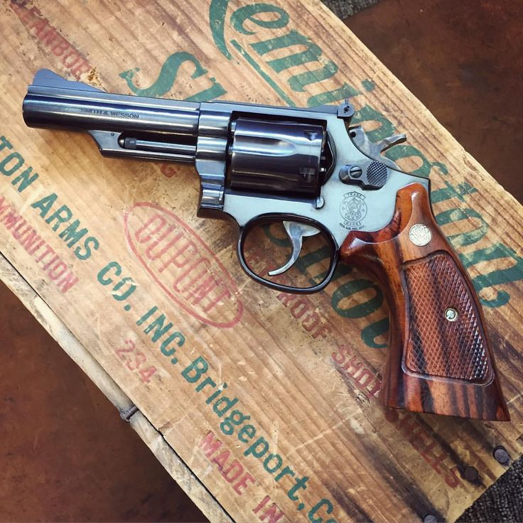 """bighornusa357: """" Picked up this beautiful Smith & Wesson 19-5 manufactured in 1982. This one is minty and has one of the sweetest sets of factory grips I've seen. Ohhh baby! #bighornfirearms..."""