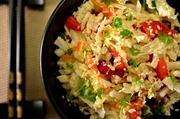 Salát z pekingského zelí se sezamem a chilli
