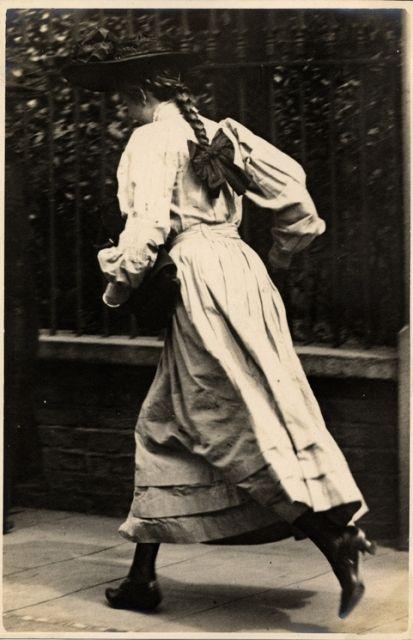 Kensington, London (22 June 1906) / Edwardian photograph / Girl running / long dress, plaits, hat /