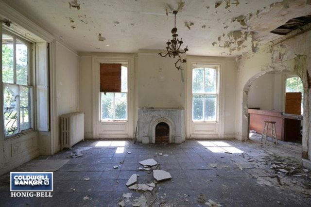 """People are """"Dying"""" To Get Their Hands on This Crumbling Old Mansion for Sale  - CountryLiving.com"""