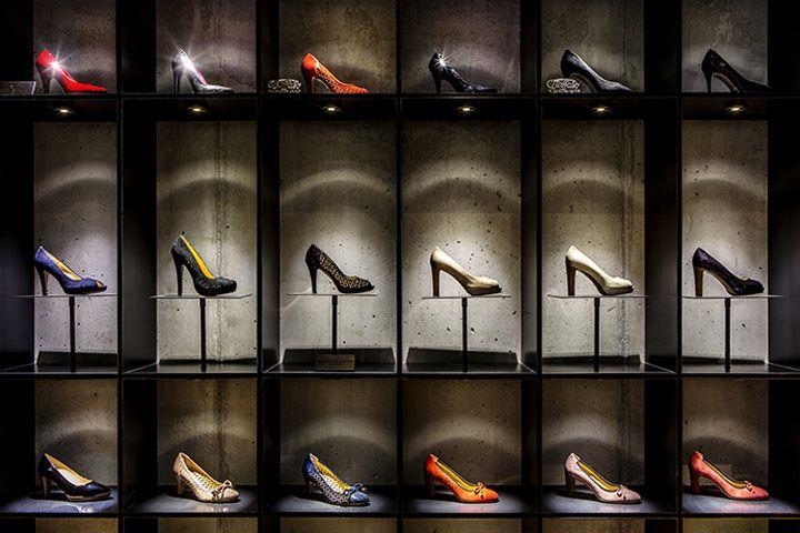 VM   Footware Visual Merchandising   Delicate Footgear shoe store by Bespoke Munich Germany