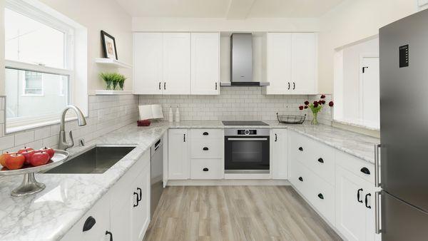 Built-in oven, Induction cooktop, Wall-mounted canopy rangehood, Bottom mount fridge-freezer, Freestanding dishwasher 60 cm