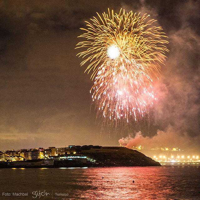 AEMET nos jura que el 14 de agosto de 2017 será un día esplendoroso y la noche aún más. Y nos adelanta esta imagen con su predicción. ¡Nos vemos en 365 días! ;) #SemanaGrande #Semanona #NochedelosFuegos #Fuegos #FuegosArtificiales #Fireworks #Pólvora #Gunpowder #FiestaGrande #Espectáculo #Show #Verano #Summer #Mar #Sea #Cantábrico #Gijón #Xixón #Asturias #Asturies #AsturiasConSal #NorthernSpainWithZest #Turismo #Tourism