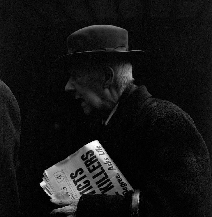 Vivian Maier. Straßenfotografin (1.Februar 1926 New York City - 21 April 2009 in Chicago ) Ihre Fotografien blieben bis 2007 unbekannt bis sie bei einer Zwangsversteigerung entdeckt wurden.